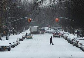 Fuertes vientos y nevadas afectan el centro y oeste de Estados Unidos. (AP).
