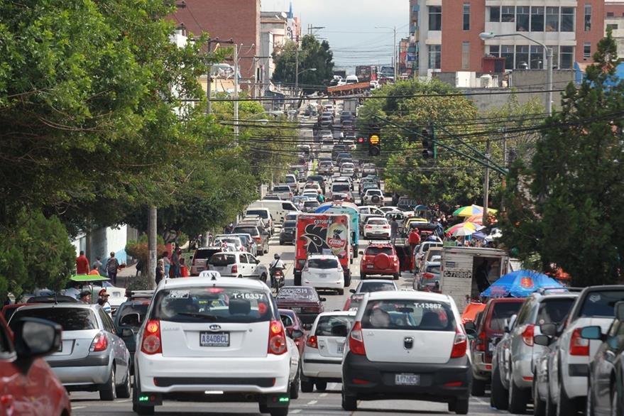 En la zona 9 y 10 el avance será lento por la afluencia de vehículos. (Foto Prensa Libre: Hemeroteca PL)