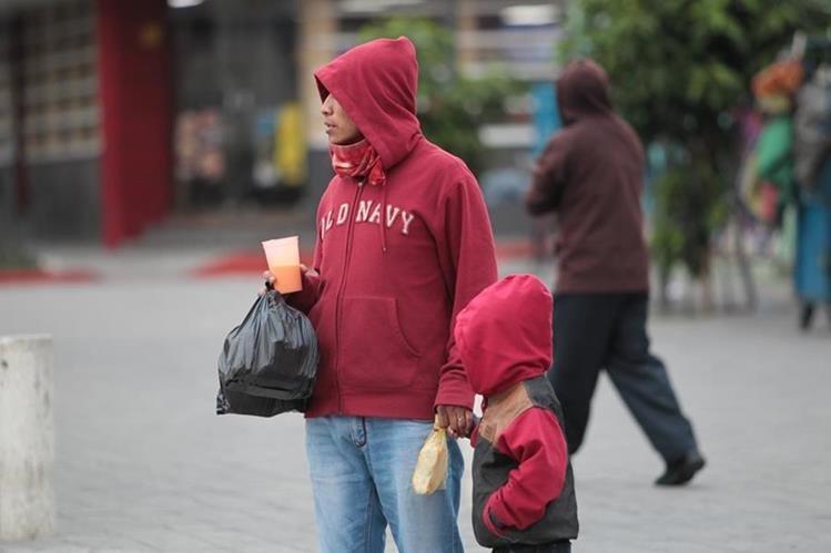 La Conred sugiere abrigarse bien para evitar enfermedades respiratorias. (Foto Prensa Libre: Hemeroteca PL)