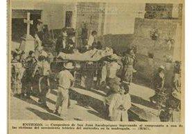 Muchos cadáveres fueron enterrados de prisa ante la inminente llegada de una epidemia. Sepelio en San Juan Sacatepéquez (Foto: Hemeroteca PL)