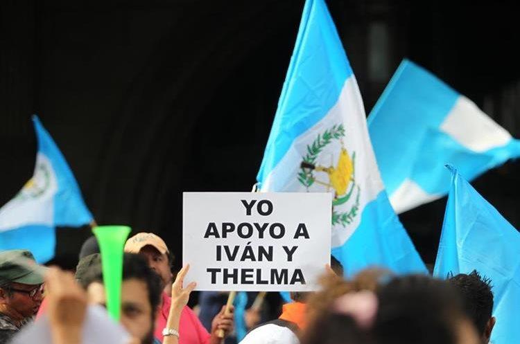 La manifestación se inició frente a Palacio Nacional de la Cultura.