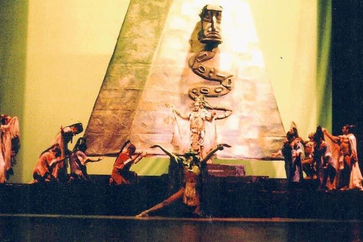 Con la  obra El juicio de los dioses, abrió la temporada contemporánea 2015, el  Ballet Moderno y Folclórico de Guatemala. Foto Prensa Libre: cortesía del BMFG.