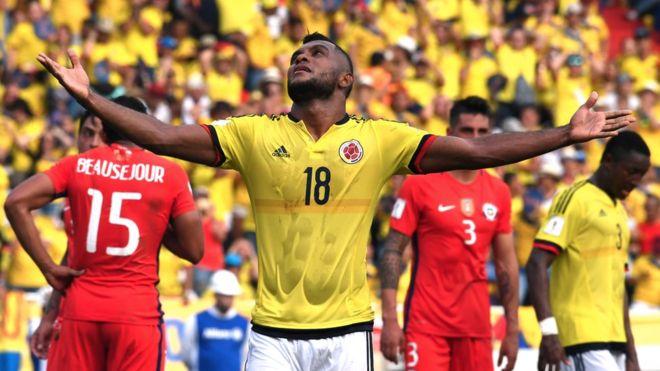 Colombia y Chile podrían estar disputando al final de las eliminatorias por el último cupo directo o la opción del repechaje. (Foto Prensa Libre: Getty Images)