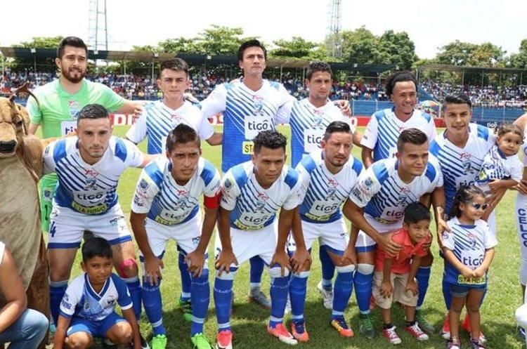 El equipo titular de Suchi contra Xelajú. (Foto Prensa Libre: Cristian Soto).