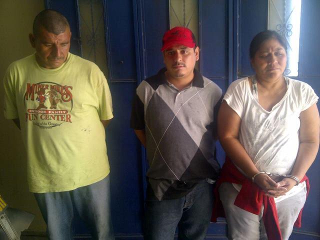 Los detenidos fueron puestos a disposición del juzgado correspondiente. (Foto Prensa Libre: PNC)
