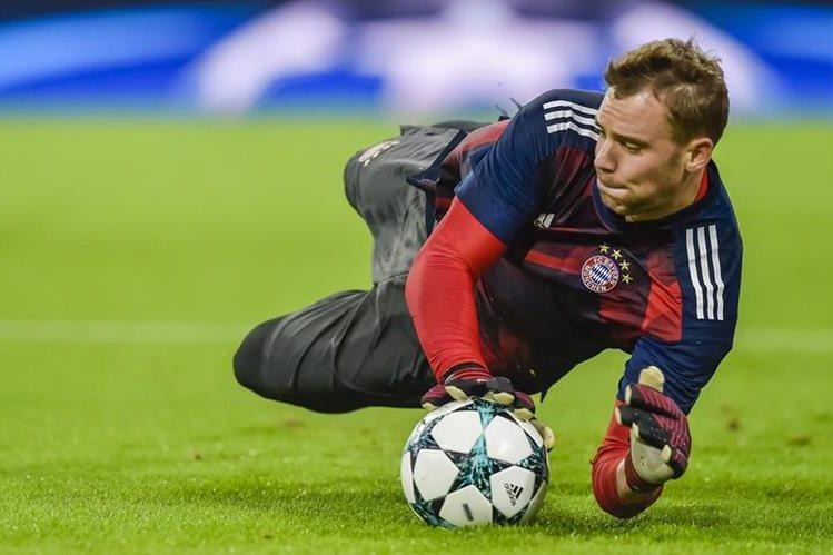 Las lesiones en el pie han mantenido alejado a Manuel Neuer de las canchas, ahora volverá en enero. (Foto Prensa Libre: AFP)