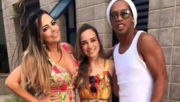 Ronaldinho se casará con dos mujeres en agosto. (Foto Prensa Libre: Redes sociales)