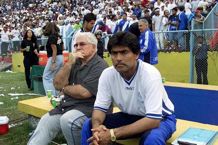 Carlos Miloc estuvo en la conducción técnica de la selección de Guatemala, así como de Comunicaciones. (Foto Prensa Libre: Hemeroteca PL)