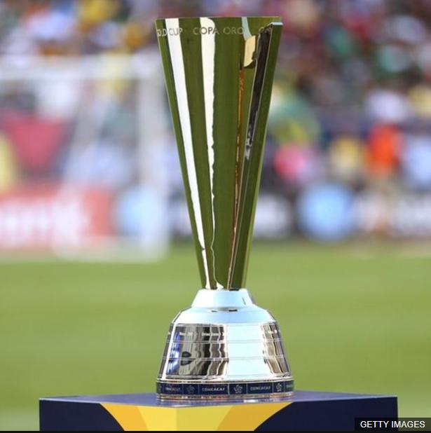 El trofeo de la Copa de Oro no está hecho del valioso mineral.
