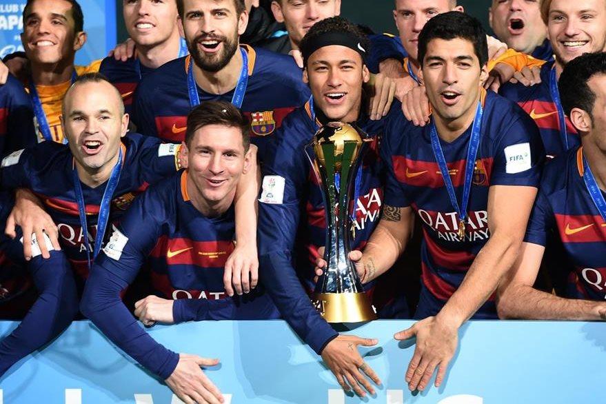Los jugadores del Barcelona festejan en el Mundial de Clubes. (Foto Prensa Libre: AFP)