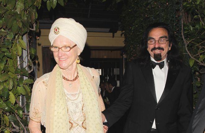 George llegó con su actual pareja a la fiesta en honor de Leonardo por haber ganado el Óscar. (Foto Prensa Libre: Hemeroteca PL).