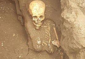 Antropólogos hallaron 63 osamentas que datan del siglo XIX.