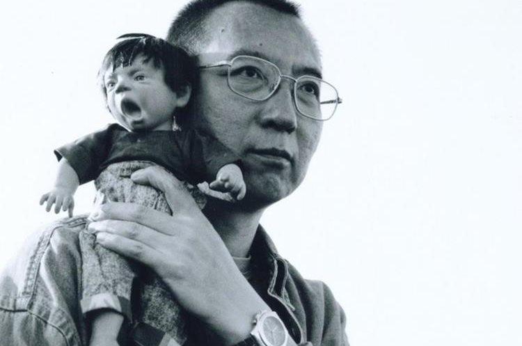 Liu Xiaobo ha sido liberado por razones médicas tras haberle diagnosticado un cáncer de hígado terminal. (Foto Prensa Libre: EFE)