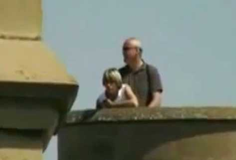 La pareja belga tenía sexo en un palacio de Navarra. (Foto Prensa Libre: Youtube)