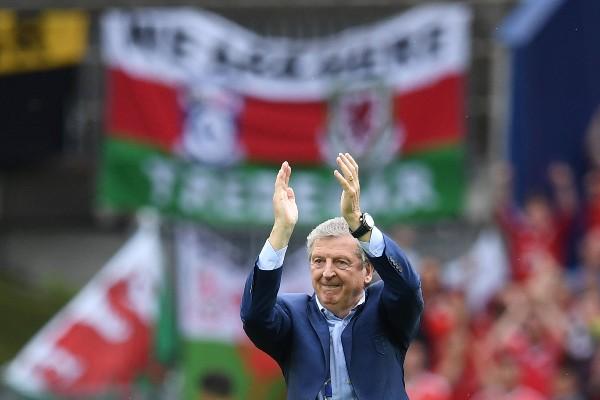 Roy Hodgson durante el partido entre Inglaterra y Gales, que su equipo ganó en el cierre. (Foto Prensa Libre: AFP)