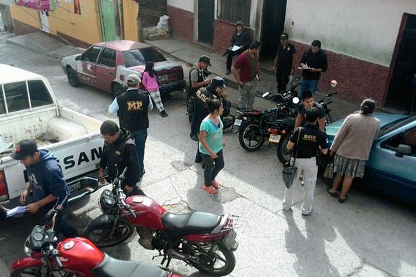 Los allanamientos  se realizan en la colonia la Joya, zona 7( Foto Prensa Libre: Erick Ávila).