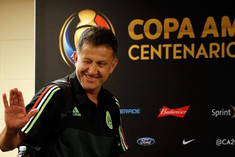 El técnico de México, Juan Carlos Osorio, confía en sus jugadores. (Foto Prensa Libre: EFE)