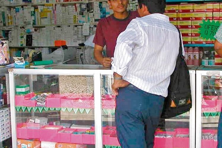 Tiendas y farmacias son algunos de los negocios de barrio o comunidades que se convierten en agentes bancarios.