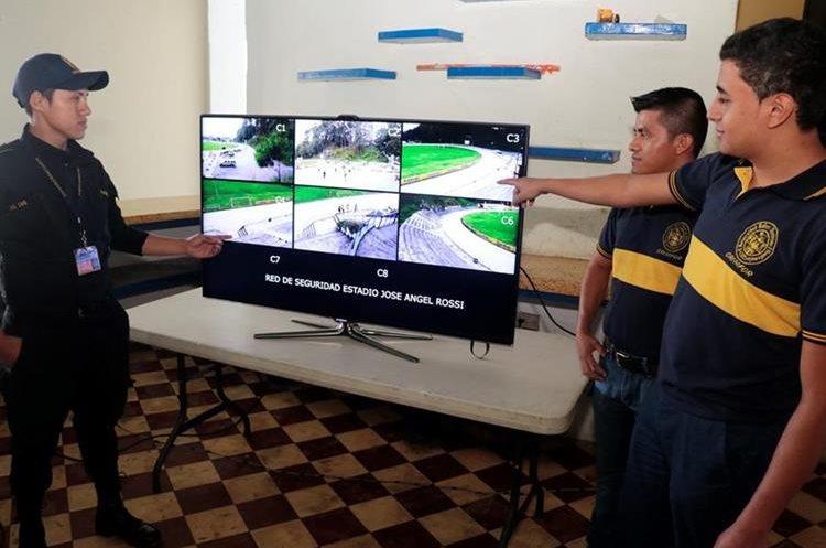 El monitoreo del sistema estará  a cargo de agentes de la PNC. (Foto Prensa Libre: Eduardo Sam)