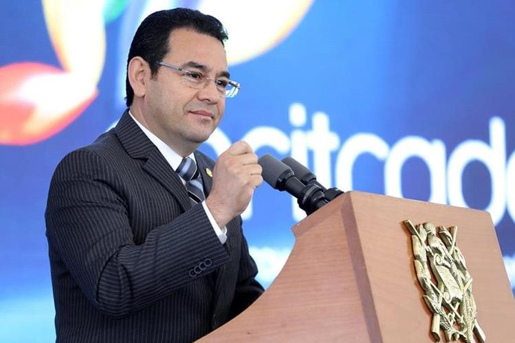 Presidente dice que en otros países preguntan dos o tres reporteros. (Foto Prensa Libre: Hemeroteca PL)
