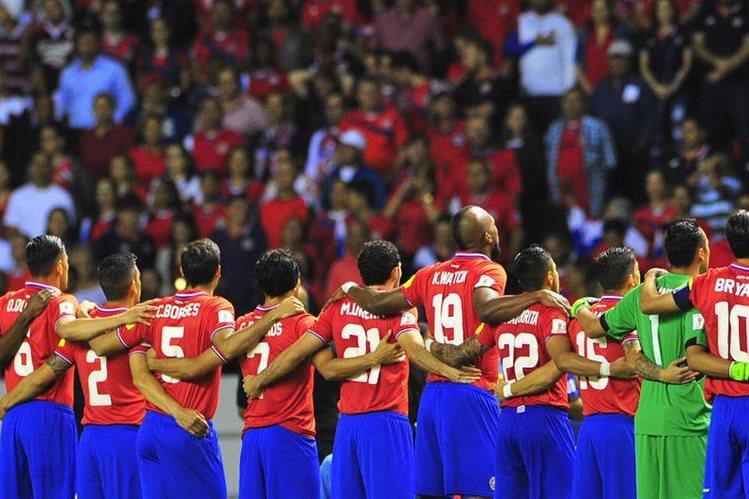 La selección de Costa Rica afina en los entrenamientos la salida y la marca con miras a la Copa Oro de la Concacaf. (Foto Prensa Libre: Hemeroteca PL)