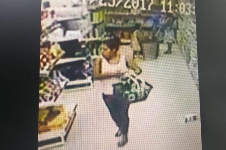 Otra de las mujeres que supuestamente participó en el robo en un supermercado de Salamá, Baja Verapaz. (Foto Prensa Libre: Baja Verapaz Digital)