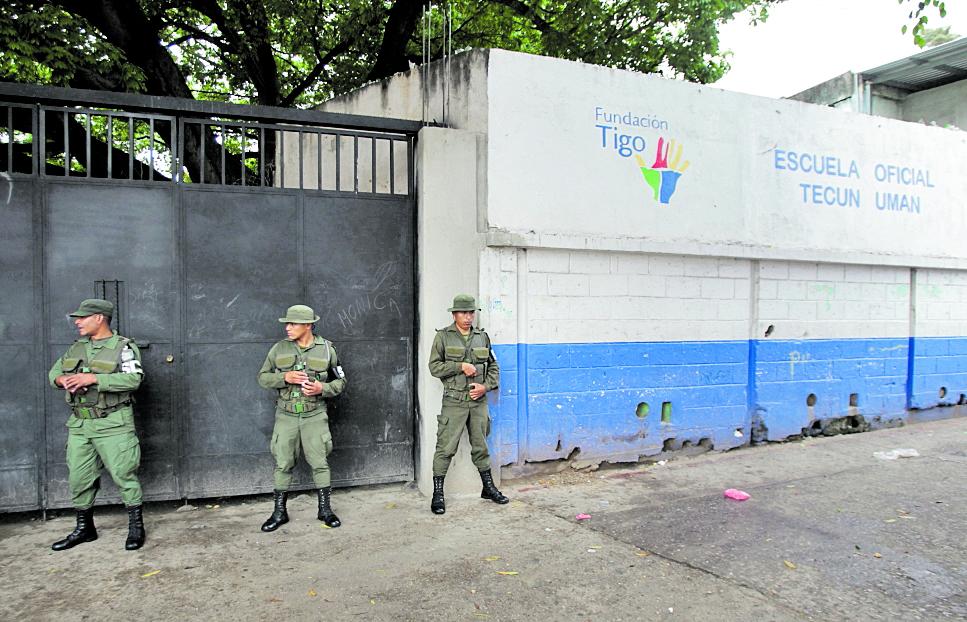 En 2016 trascendió que algunas escuelas en Jocotales, zona 6, eran extorsionadas.( Foto Prensa Libre: Hemeroteca PL)