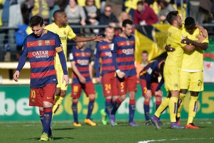 El Villarreal no dejó que el Barcelona consiguiera otra victoria en La Liga. (Foto Prensa Libre: AFP)