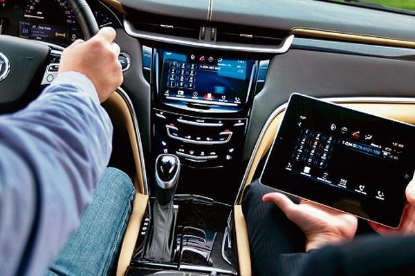 <p>Automotive Grade Linux  permite a los fabricantes de autos obtener acceso a Google Maps.  (Foto Prensa Libre: Archivo)</p>