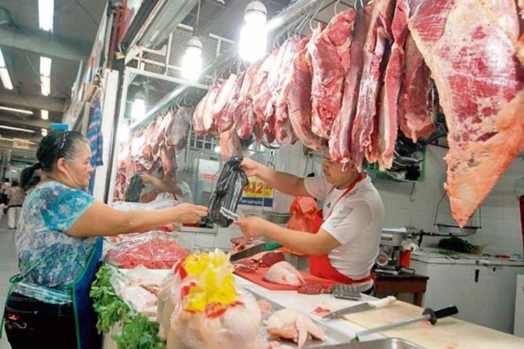 Ganaderos aseguran que el precio de la libra de carne roja podría bajar hasta en Q4.