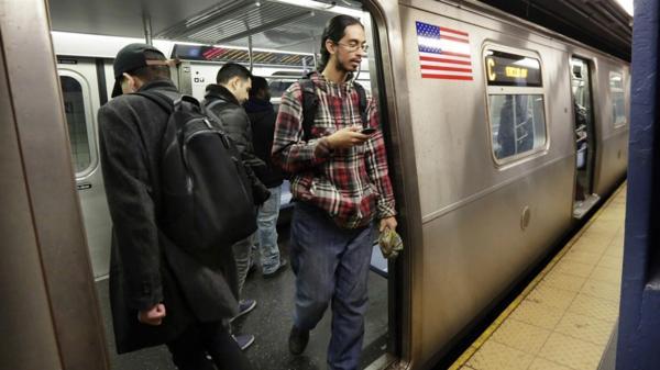 Los Ángeles tiene un sistema de metro con seis líneas y 93 estaciones. (Foto Prensa Libre:AP).
