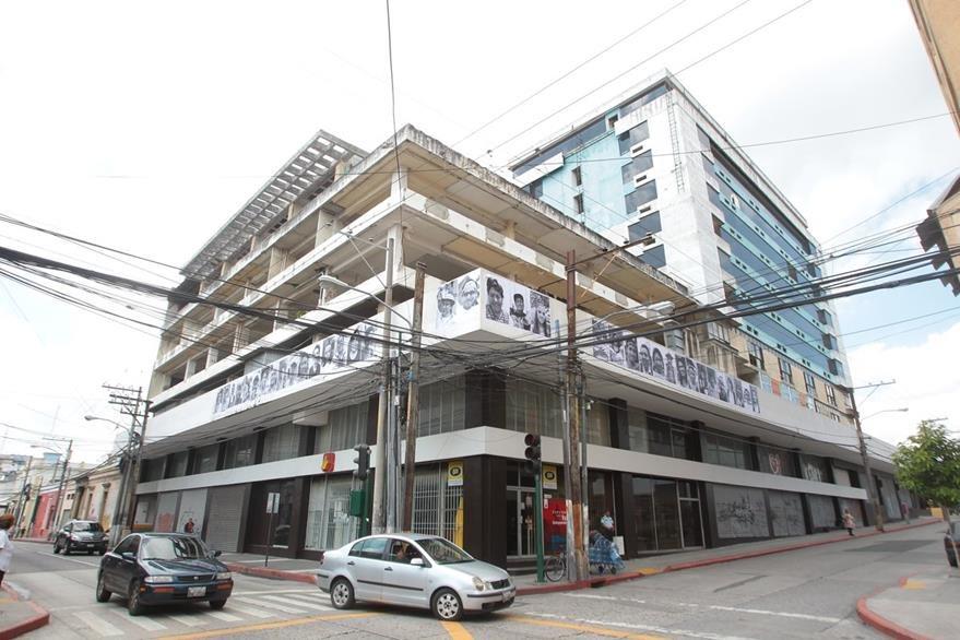 Fachada del edificio del antiguo hotel Ritz que ofrece 137apartamentos. (Foto Prensa Libre: Álvaro Interiano)