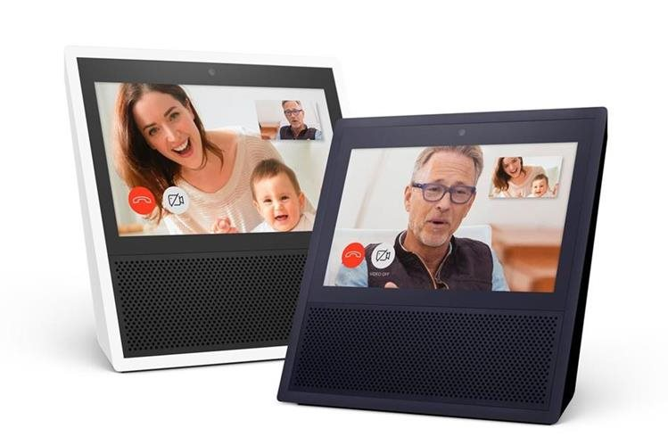 El nuevo dispositivo de Amazon, que incluye pantalla táctil, vendrá en dos colores (Foto Prensa Libre: AFP / Amazon.com, Inc).