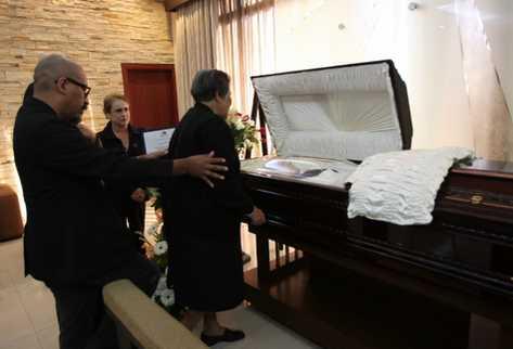 Los restos de Tasso Hadjidodou son velados en Capillas Señoriales de la zona 9. (Foto Prensa Libre: Erick Ávila)