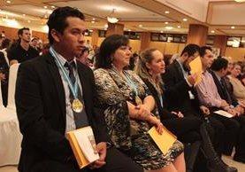 Artistas recibieron reconocimientos en diversas categorías. (Foto Prensa Libre: Ángel Elías)