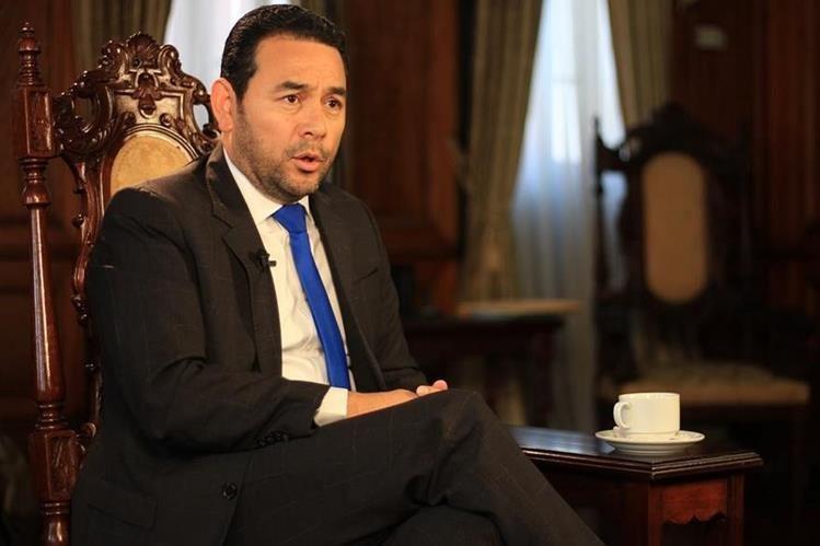 En reunión  de Gabinete, el presidente nunca ha mencionado el tema de un golpe de Estado según algunos ministros. (Foto Prensa Libre: Hemeroteca PL)