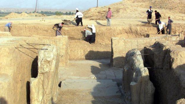 Las excavaciones en Nimrud comenzaron a mediados del siglo XIX y continuaron hasta 1992. GETTY IMAGES