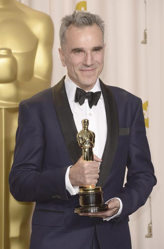 El actor logró las tres estatuillas gracias a las películas There Will be Blood, Lincoln y My Left Foot. (Foto Prensa Libre: EFE)
