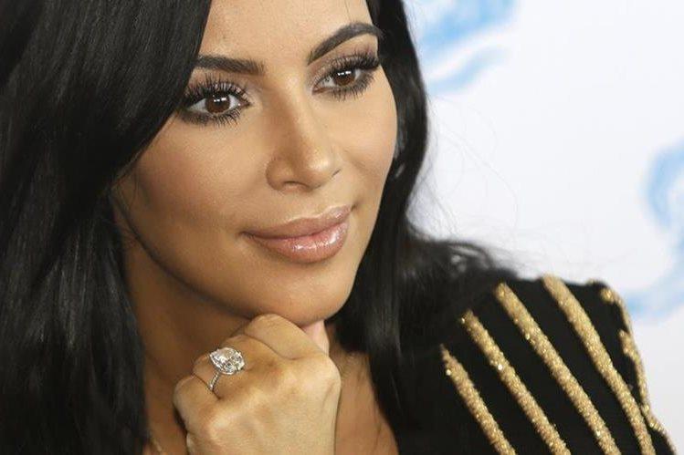 Kim Kardashian fue víctima de un robo millonario durante su estadía en París. (Foto Prensa Libre: AP)