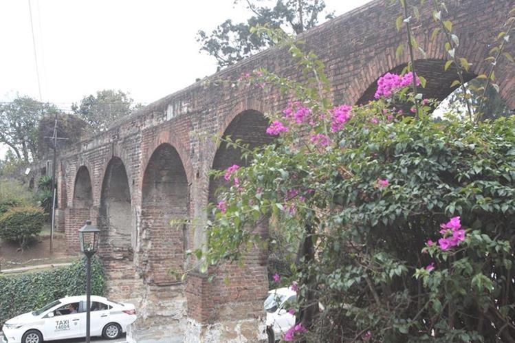El acueducto de Pinula se construyó de 1776 a 1786 y surtió de agua a la capital hasta finales de 1930. (Foto Prensa Libre, Brenda Martínez)