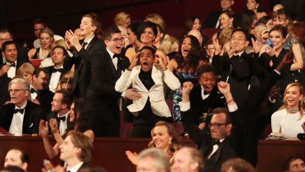 """La sorpresa en el teatro Dolby y emoción en el elenco de """"Moonlight"""" fueron evidentes. (GETTY IMAGES)"""