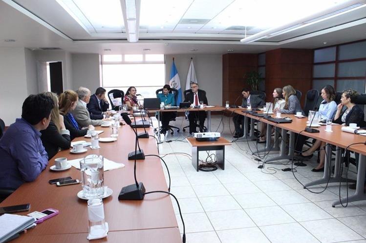 Delegación de Estados Unidos muestra su apoyo a la Fiscal General. (Foto Prensa Libre: Ministerio Público)