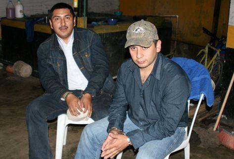 Capturan a dos personas responsables del desfalco de Q4 millones de la agencia Banrural, en Tactic, Alta Verapaz. (Foto Prensa Libre: Eduardo Sam Chun)