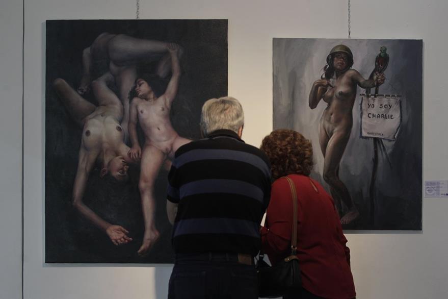 Obras expuestas en la Escuela Nacional de Artes Pl‡sticas del pintor Manolo Gallardo.  (Foto Prensa Libre: Edwin Berci‡án)