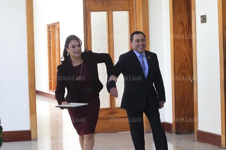 Roxana Baldetti fue la vicepresidenta del gobierno del Partido Patriota, mientras que Mauricio López Bonilla era ministro de Gobernación. (Foto Prensa Libre: Hemeroteca PL)