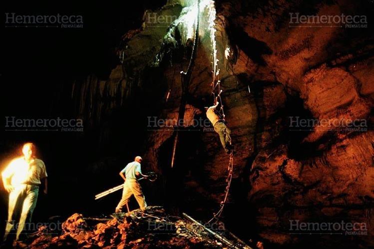 Una de las tumbas mayas en el interior de la caverna. (Foto: Carlos Sebastián)