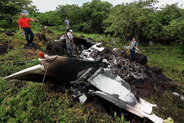 La aeronave pertenecía a una empresa de telecomunicaciones. (Foto Prensa Libre:tomada del excelsior.com.mx)