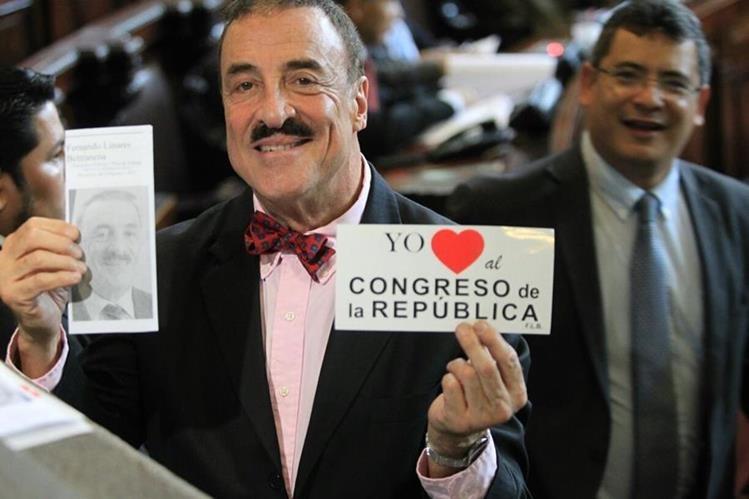 El diputado Fernando Linares Beltranena se promueve como próximo presidente del Congreso. (Foto Prensa Libre: Esbin García)
