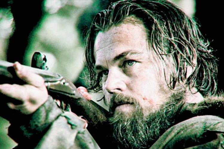 """""""Revenant"""" es un filme basado en la historia real de Hugh Glass, quien vivió en el siglo XIX, y que fue atacado por un oso y abandonado por cazadores, al creerlo muerto."""
