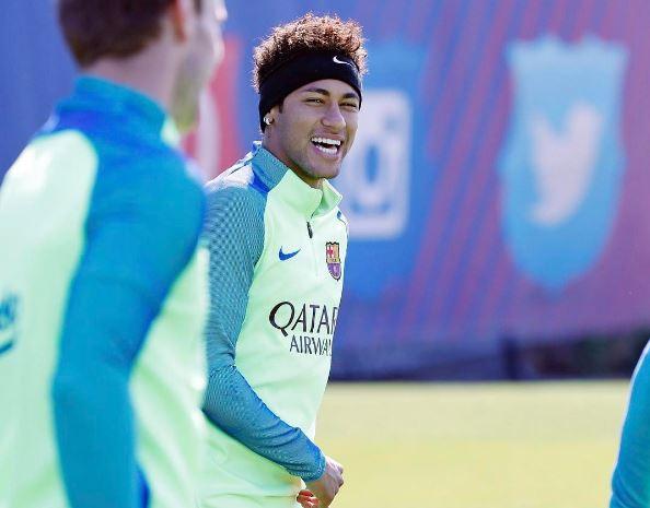 Neymar ha tenido un gran desempeño con la selección de Brasil y con el FC Barcelona. (Foto Prensa Libre: Instagram Neymar)